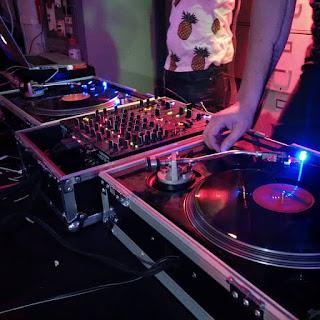dj spins vinyl records