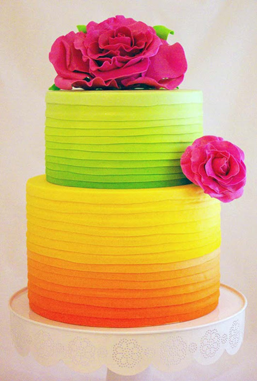 6 Beautiful Wedding Cakes for Every Season