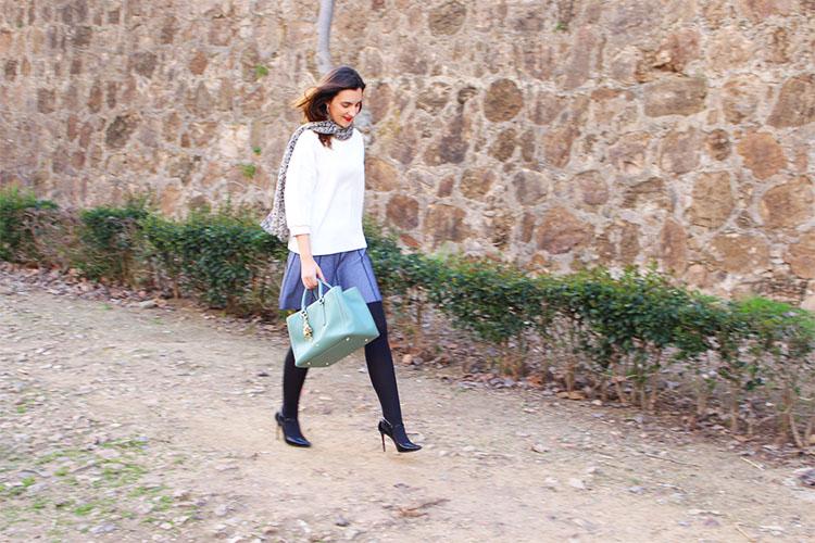 http://looking4theblacksheep.blogspot.com.es/2016/03/como-combinar-una-falda-de-punto.html