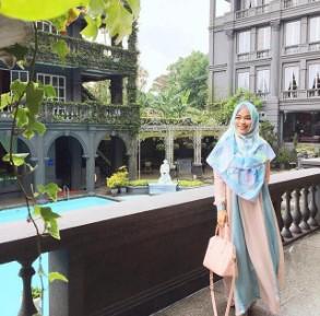 Busana Muslim Rancangan Anak Aa Gym Ghaida Tsurayya Model Terbaru