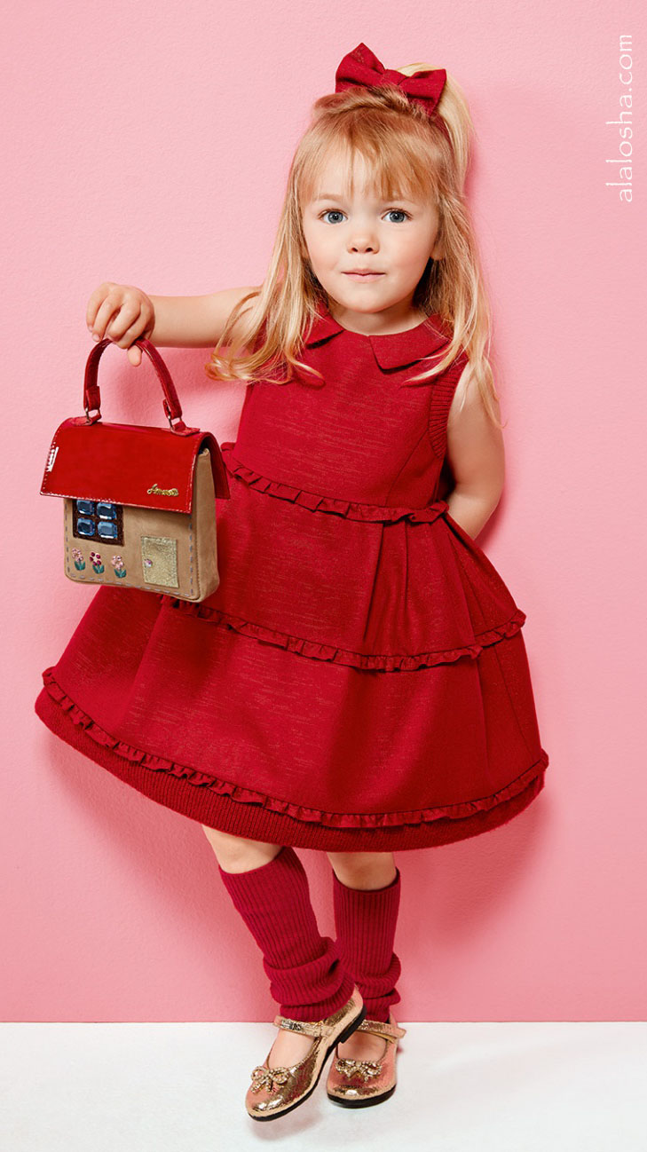 Alalosha Vogue Enfants Child Model Of The Day Lёlya: Warm Up Those Chilly Winter Days With Simonetta