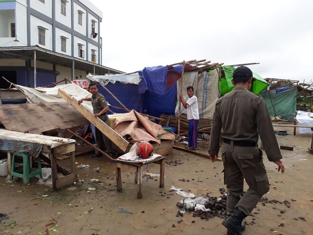 BREAKING NEWS: Penertiban PKL di pasar baru Kabupaten Sekadau