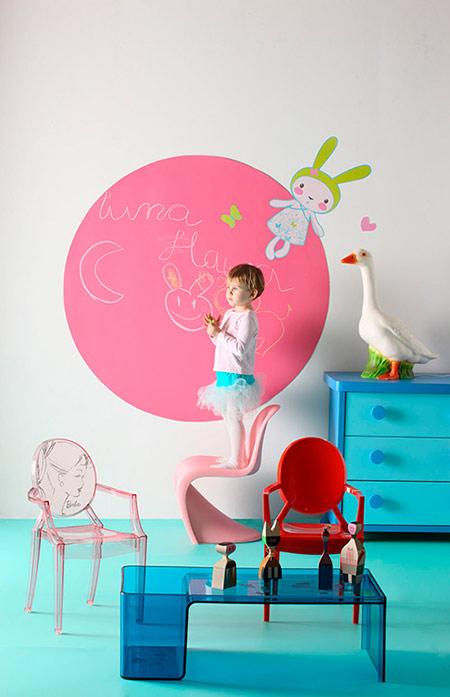 Matilda y la Luna: Una gran pizarra por pared con Cuarto Color