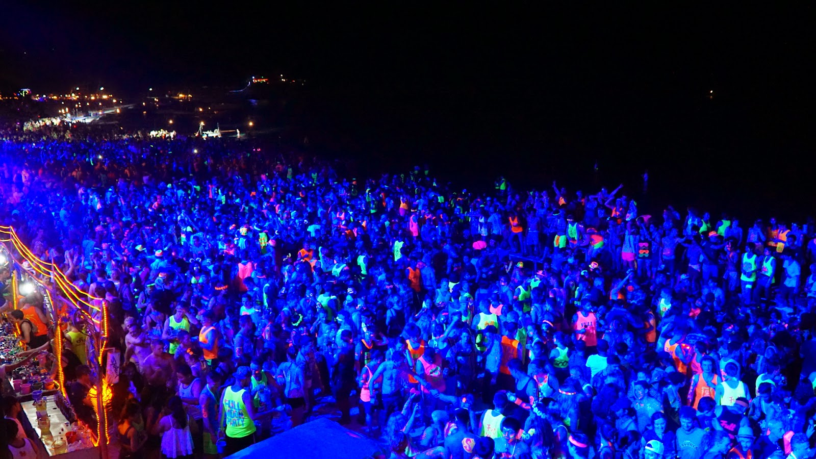 Haad Rin beach becomes increasingly crowded with party goers the longer the night goes on