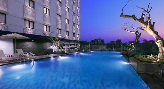 Kolam Renang Hotel Neo Malioboro