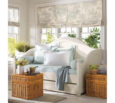 Boiserie c 55 trucchi per arredare mini camere da letto for Arredamento salvaspazio mobili multifunzionali