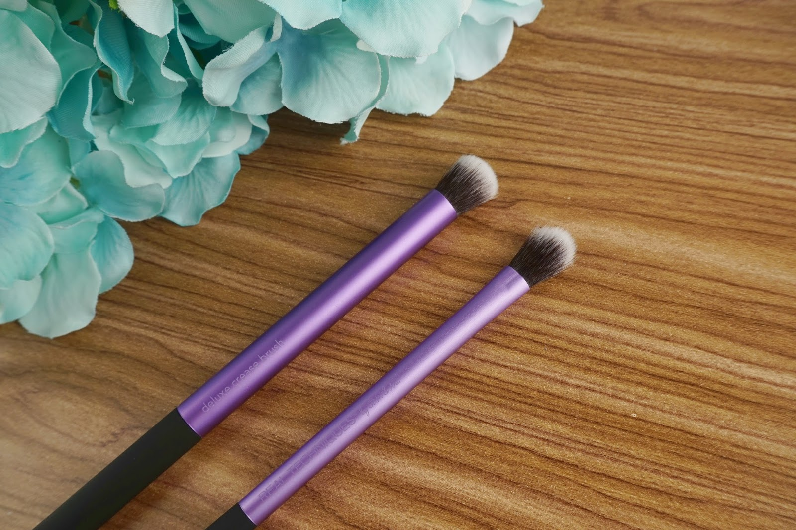 new from FarleyCo real techniques eye shade and blend crease brush