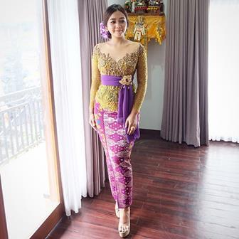 Model Kebaya Bali Simpel Tapi Elegan