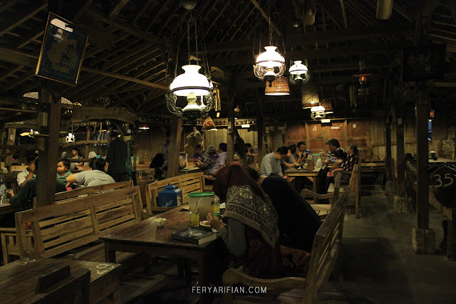 feryarifian food travel blogger malang backpacking dan traveling ke Yogyakarta