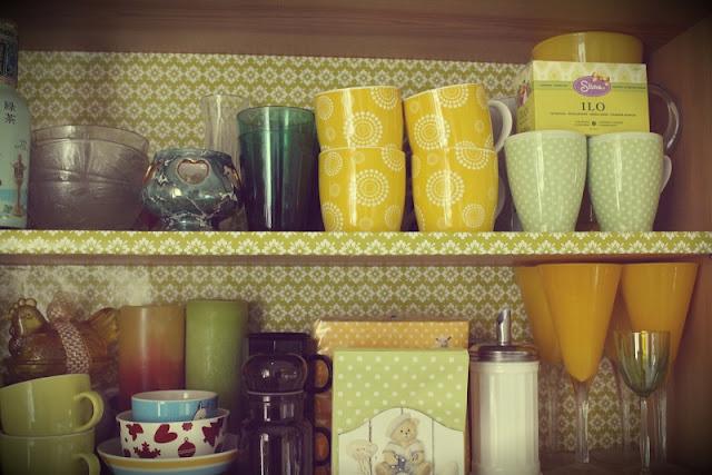 astiakaappi, mukit, lasit, astiat
