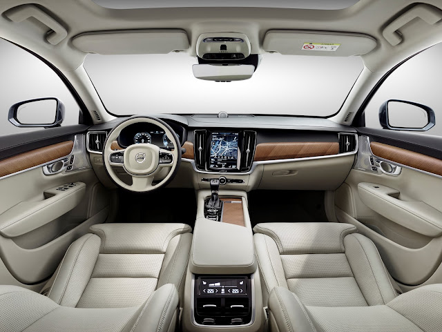 Interior view of 2017 Volvo S90 T6 AWD