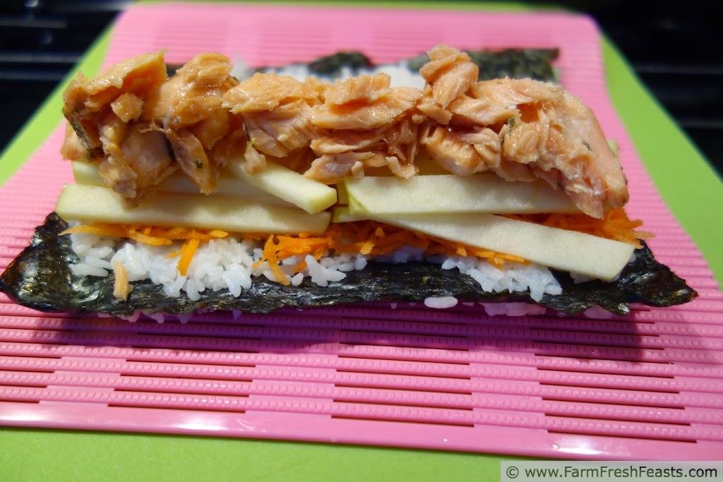 http://www.farmfreshfeasts.com/2015/03/egg-carrot-kohlrabi-sushi.html