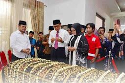 Nurdin Abdullah dan Liestiaty Nurdin Melayat ke Rumah Duka Almarhum IYL