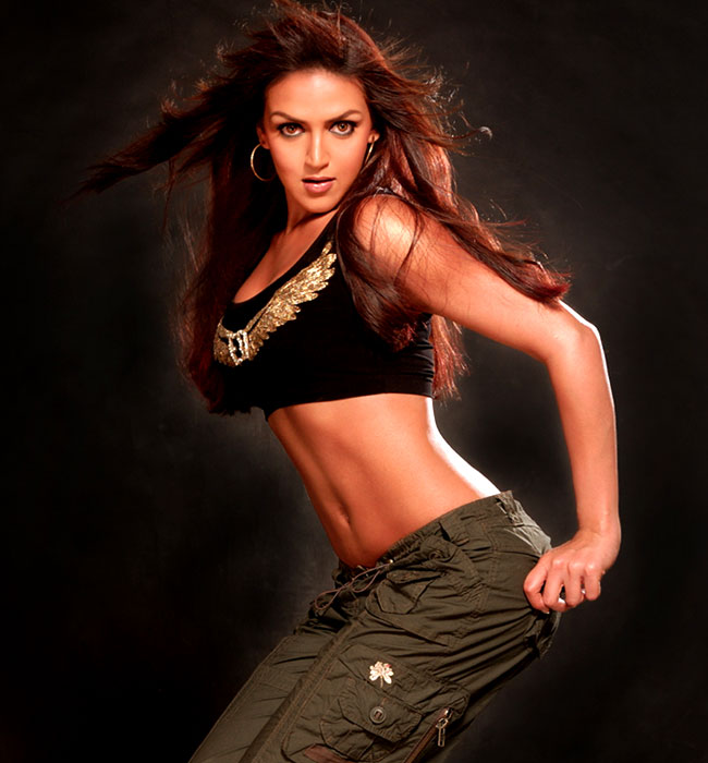 Hot women from the bollywood,tollywood world: esha deol hot