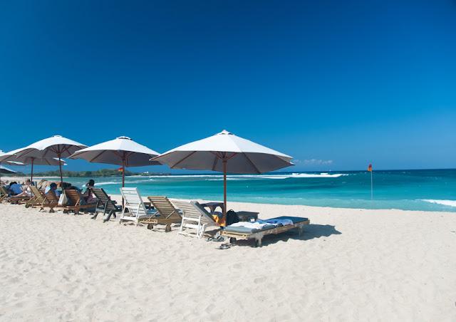Wisata Pantai Slopeng di Madura Dengan Hamparan Pasir yang Sangat Luas Wisata Pantai Slopeng di Madura Dengan Hamparan Pasir yang Sangat Luas