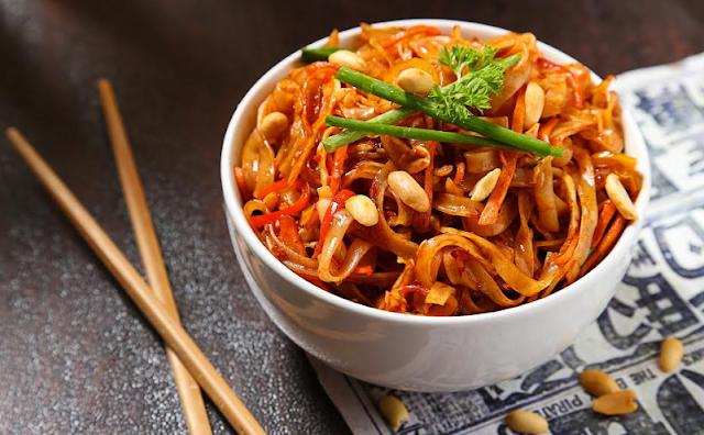 Flat Rice Pad Thai Noodle Veggie Bowl.