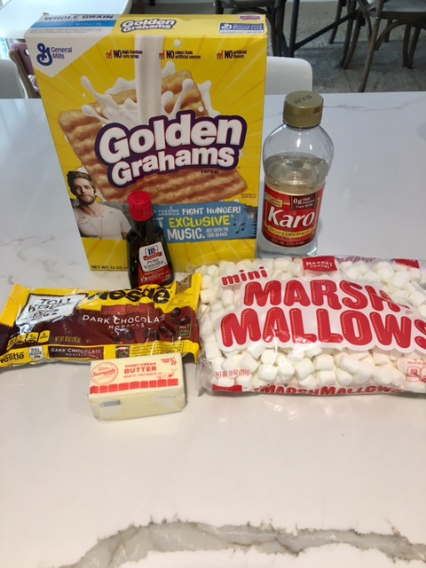 S'mores bar ingredients