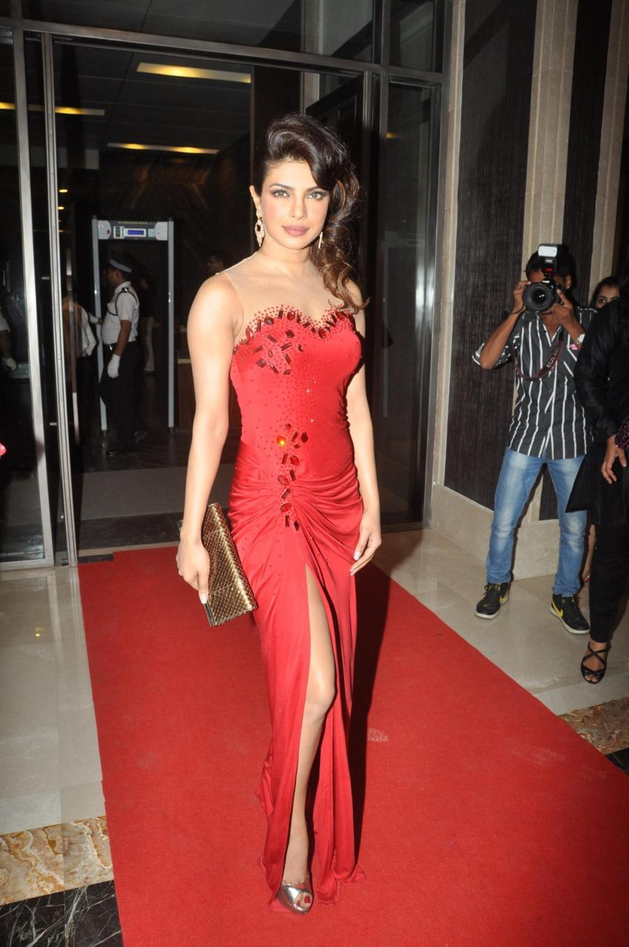 Priyanka Chopra Long Hair In Red Gown At Fame Award