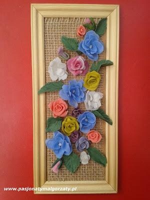 obrazek z różyczkami z zimnej porcelany