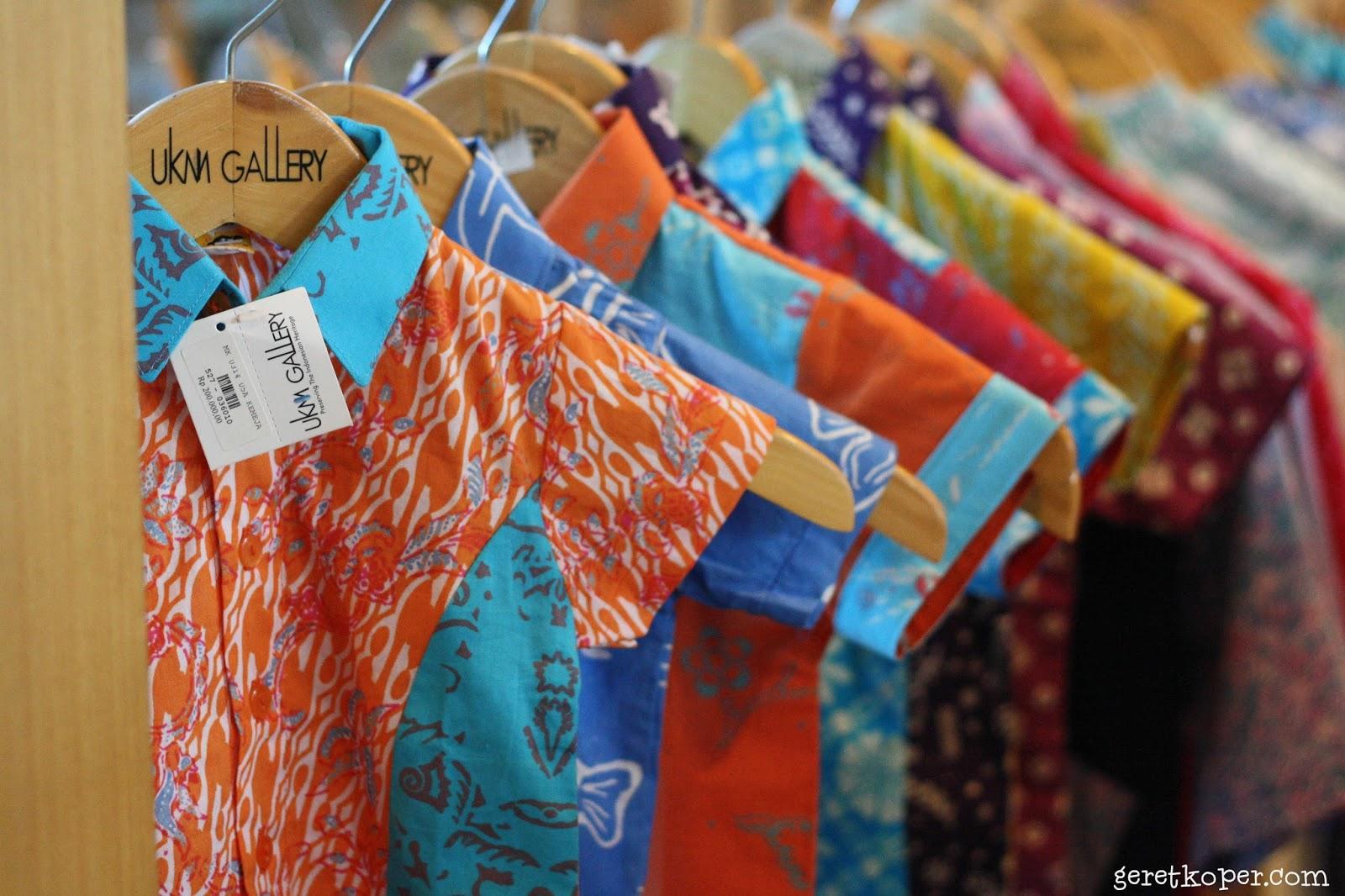 Beli Oleh Dari Seluruh Indonesia Di Smesco Jakarta Geret Koper Produk Ukm Bumn Kain Batik Handmade Warna Alam Cakep Banget Yah Warni Baju Anaknya