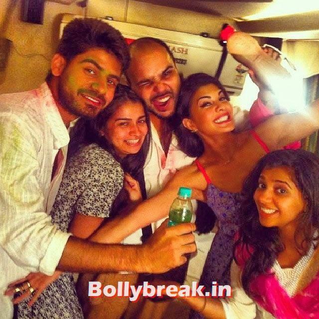 Jacqueline Fernandez with her friends, Bollywood Celebrities Holi Pics - Hrithik, Sonam, Sonakshi, Jacqueline
