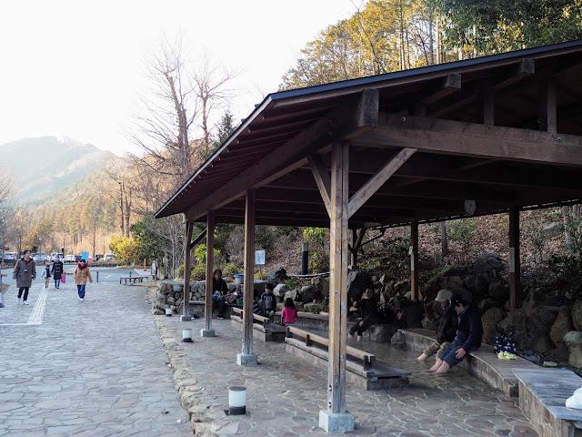 秋川渓谷 瀬音の湯 足湯