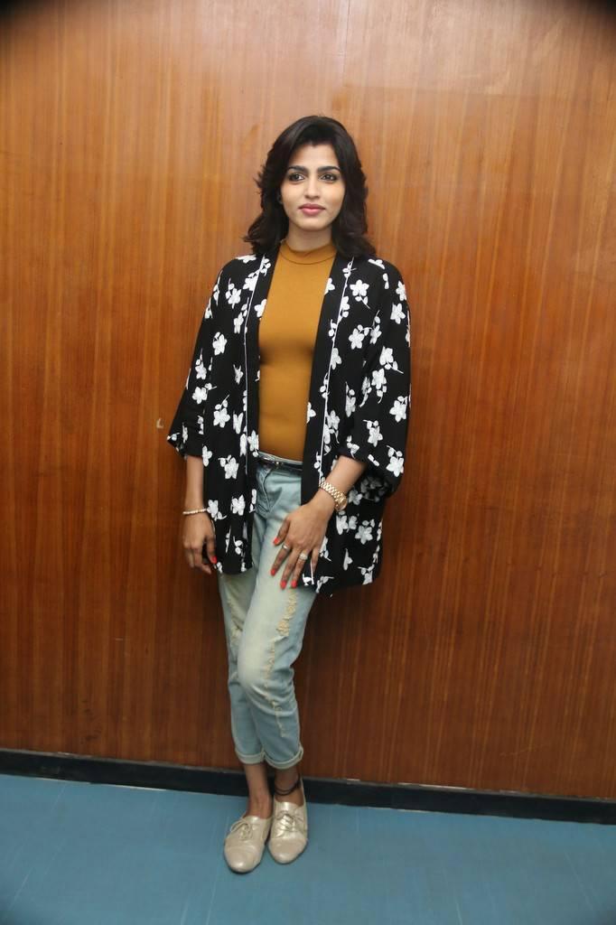 Beautiful Tamil Girl Dhanshika Stills In Black Top Jeans