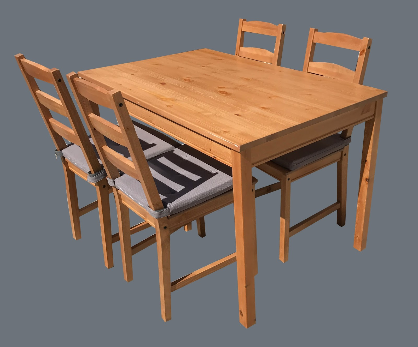 Uhuru furniture collectibles pine table 4 chairs for Cie no 85 table 4