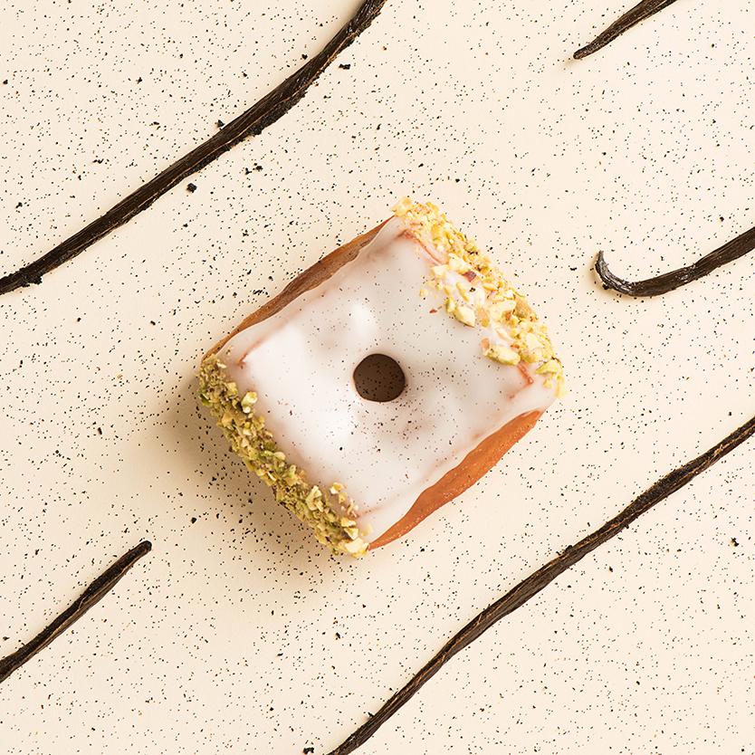 donuts, hoeked doughnuts, doughnuts, hotspot, antwerpen, lekker, eten, snack, donut, lifestyle, foodblog, gratis, foodblogger, lifestyleblogger, antwerp, belgie, LaVieFleurit.com, 2 .jpg