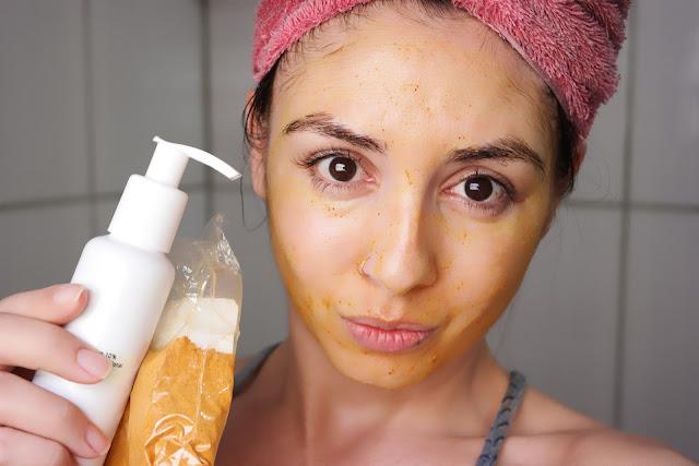 clareamento de pele, curcuma, açafrão da terra, receitinha caseira, manchas de pele, dica de beleza, máscara facial, esfoliação