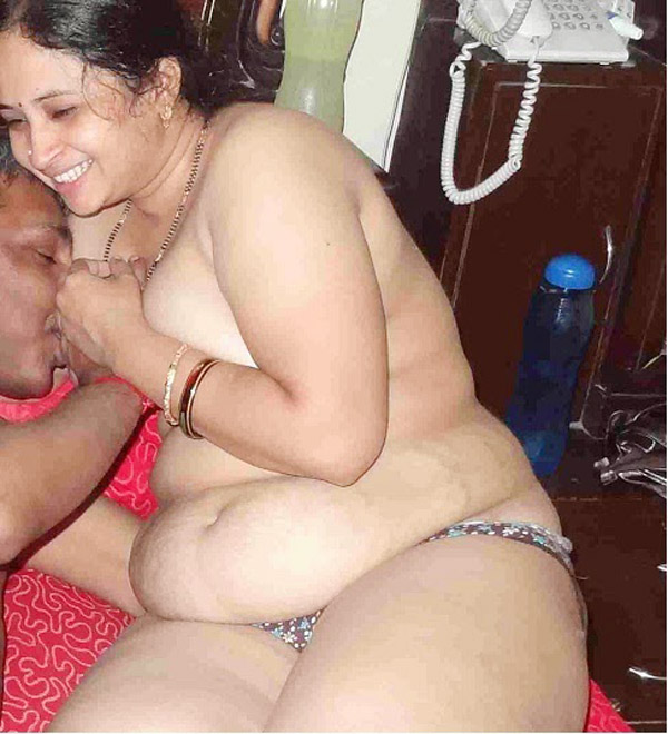 That nude sex aunty with boyfriend photo