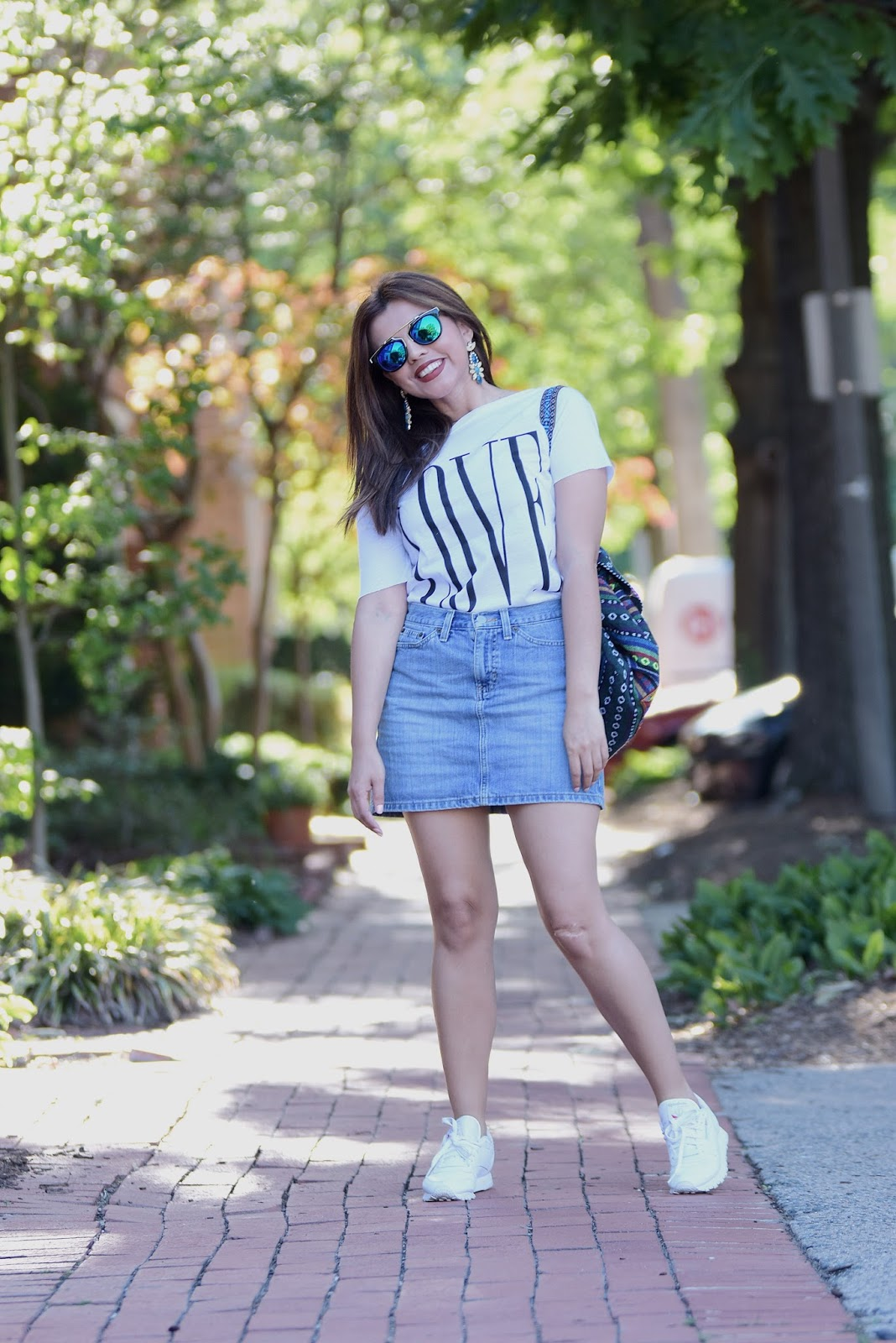 Off Shoulder T-shirt & Denim Skirt  by Mari Estilo. Wearing: Tshirt: LightInTheBox Skirt: GAP Shoes: Reebok Classic