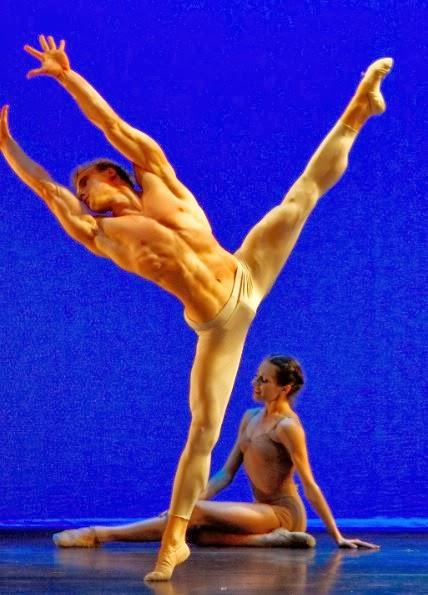 shirtless freedom dance