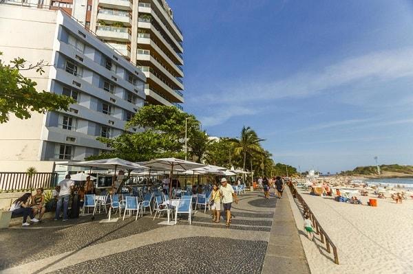 HOTEL ARPOADOR - RECEPCIONISTA, AUXILIAR, GARÇOM, GERENTE, MENSAGEIRO, ARRUMADOR, COZINHEIRO E OUTROS CARGOS - RIO