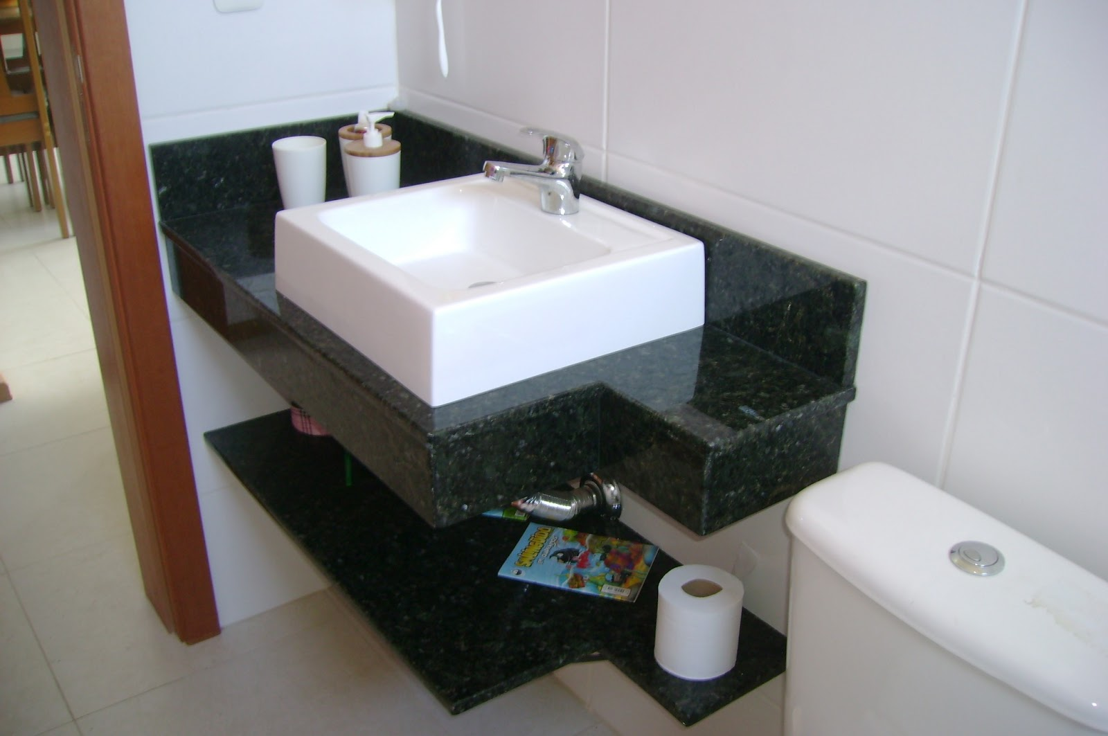 Graniltinho Lavabos com Cubas sobrepor e acabamento em Monobloco -> Cuba Para Banheiro Santa Cruz Acabamentos