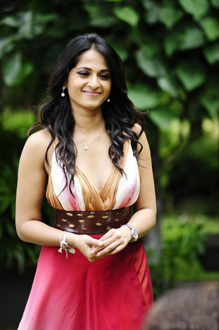 telugu actress anushka hot photos