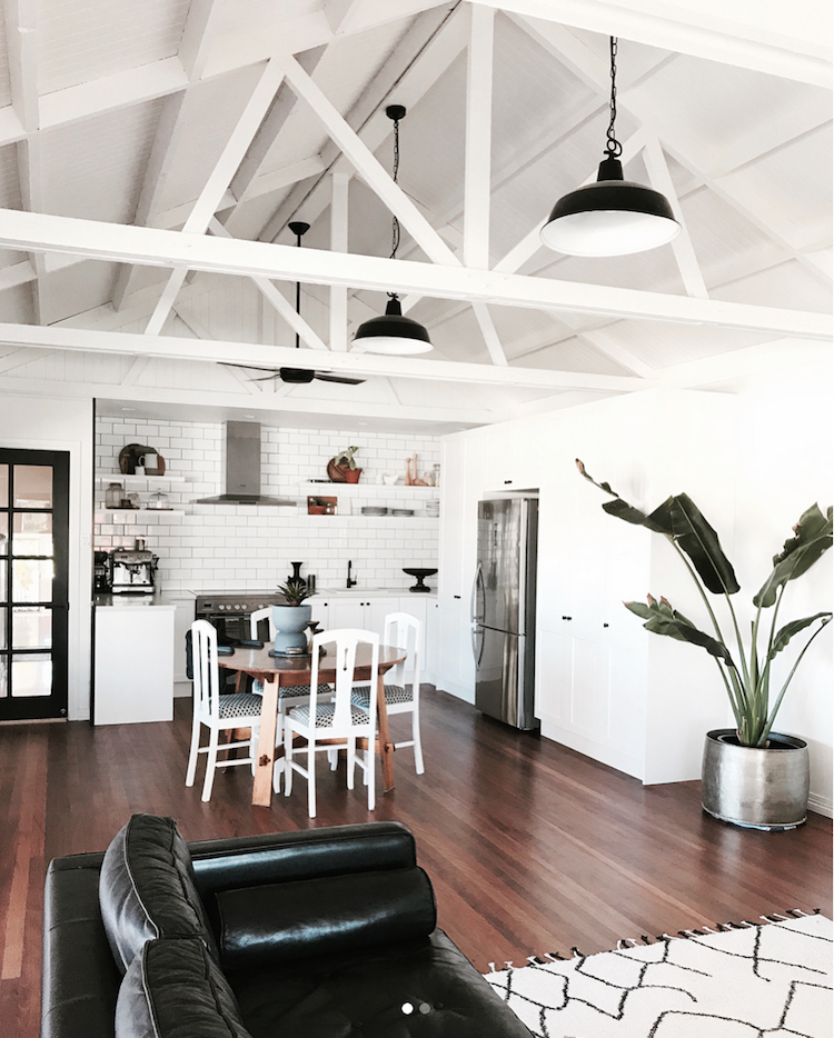 What Are The Advantages Of An Open Plan Living Space?