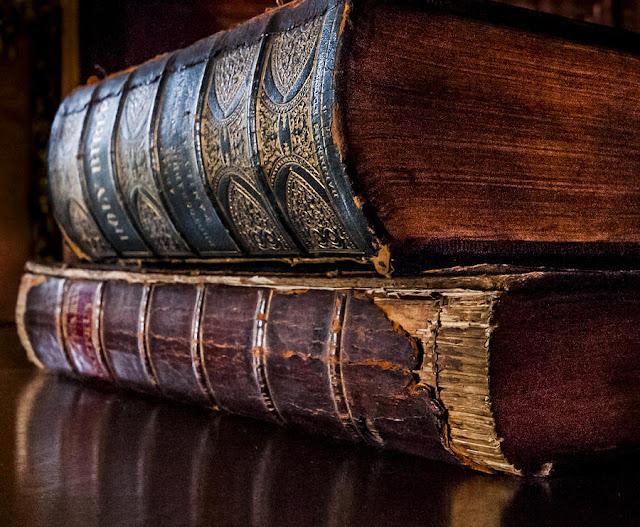 قائمة كتب الأعلى نسبــة مبيعات على الإطـلاق فى تاريخ البشـرية
