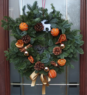My DIY christmas wreath on our front door