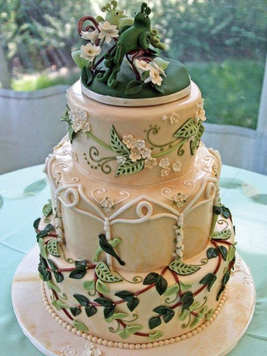 http://dev.fashionablebride.com/gallery/756/image/14905/planninginspiration/Wedding-Cakes/Irenes-Cakes-by-Design-wedding-cake