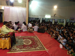 Sadguru-Aniruddha-Bapu-enjoying-satsang-with-Shraddhavan