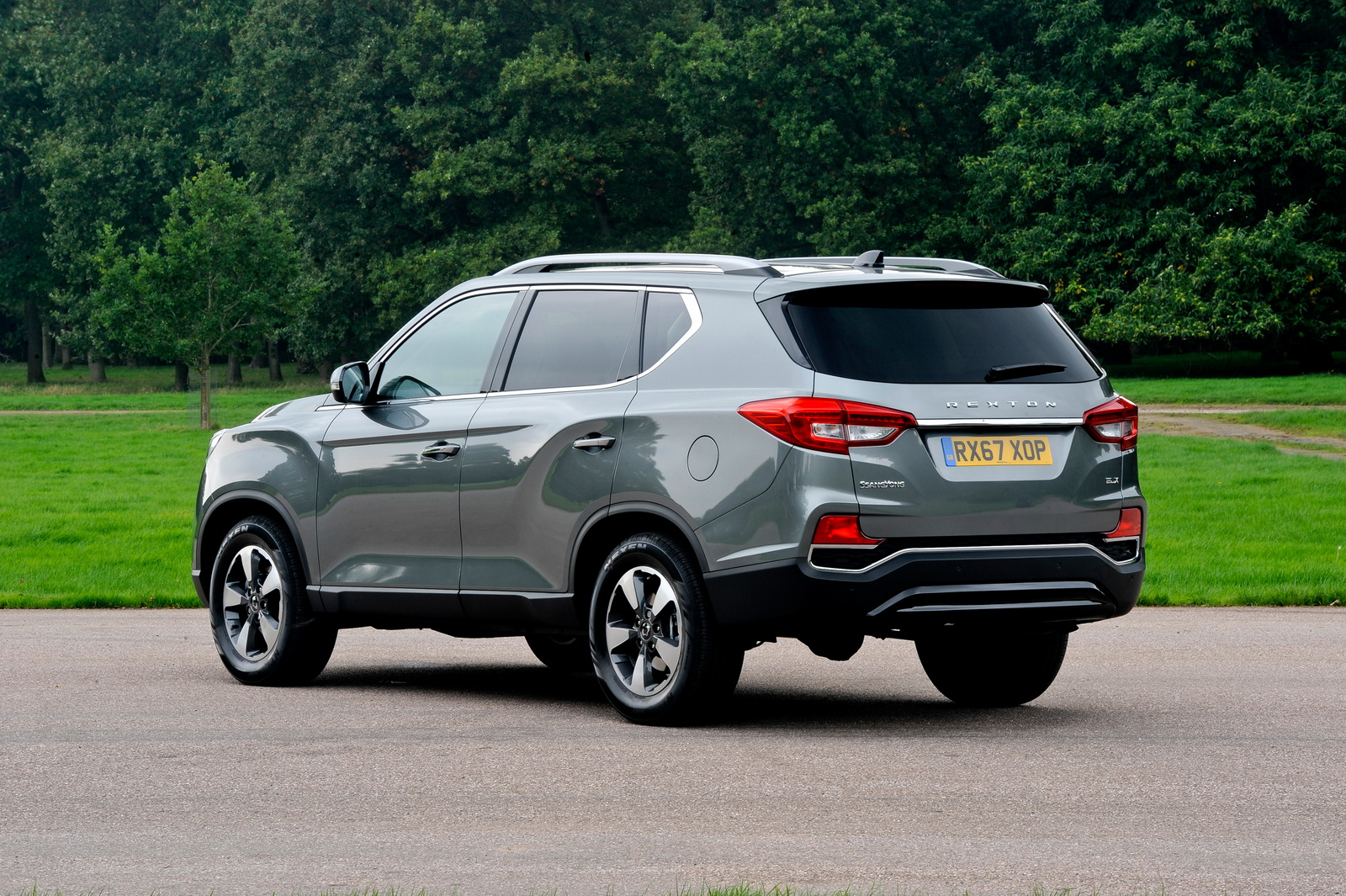 First Ssangyong Rextons Hit Uk Dealerships Offering Big