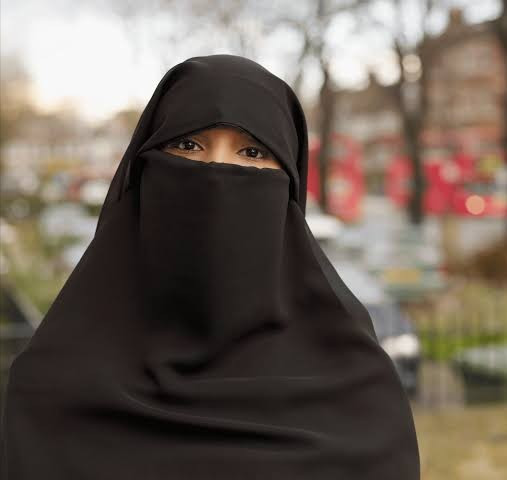Face coverings banned in Sri Lanka to prevent terrorists hiding their identities
