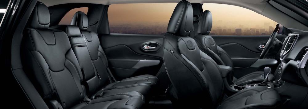 dimensioni e spazi interni jeep cherokee