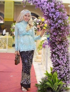 Model Kebaya Muslim Terbaru untuk Lamaran