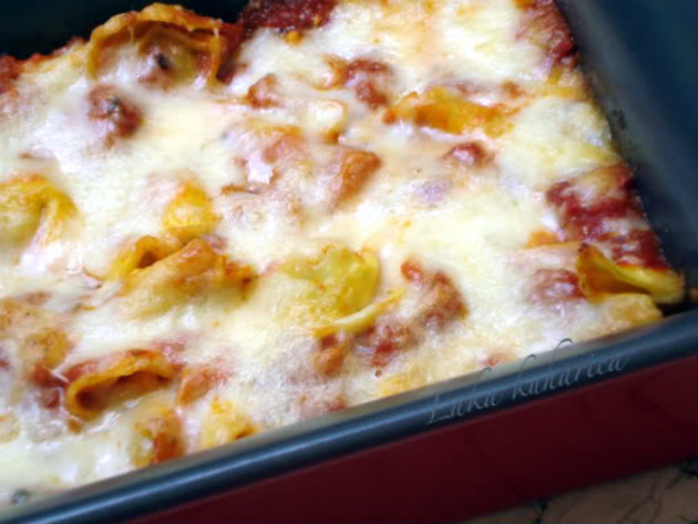 Baked tortellini by Laka kuharica: Bake until the surface of the dish is well baked.