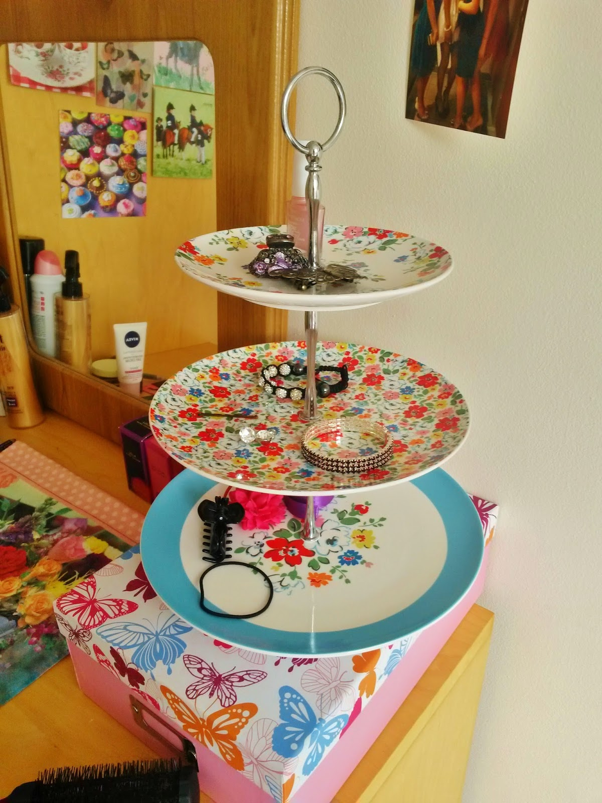 Cake stand as jewellery stand in university bedroom