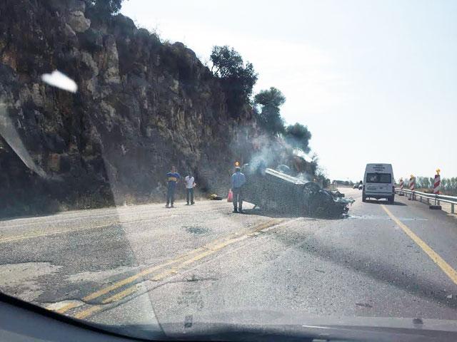 Ανατροπή αυτοκινήτου στην Αντιρρίου – Ιωαννίνων | Νέα από το Αγρίνιο και  την Αιτωλοακαρνανία-AgrinioLike