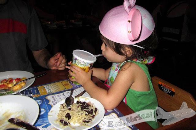 Almoço com criança pequena na Disney