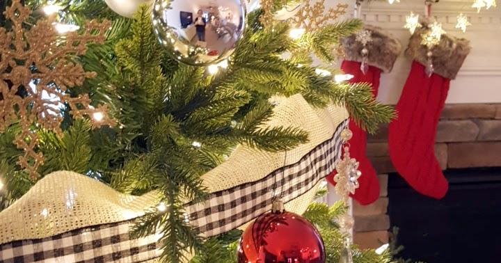 Diy Design Fanatic Christmas Family Room And Mantel